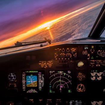 B737 Cockpit-2